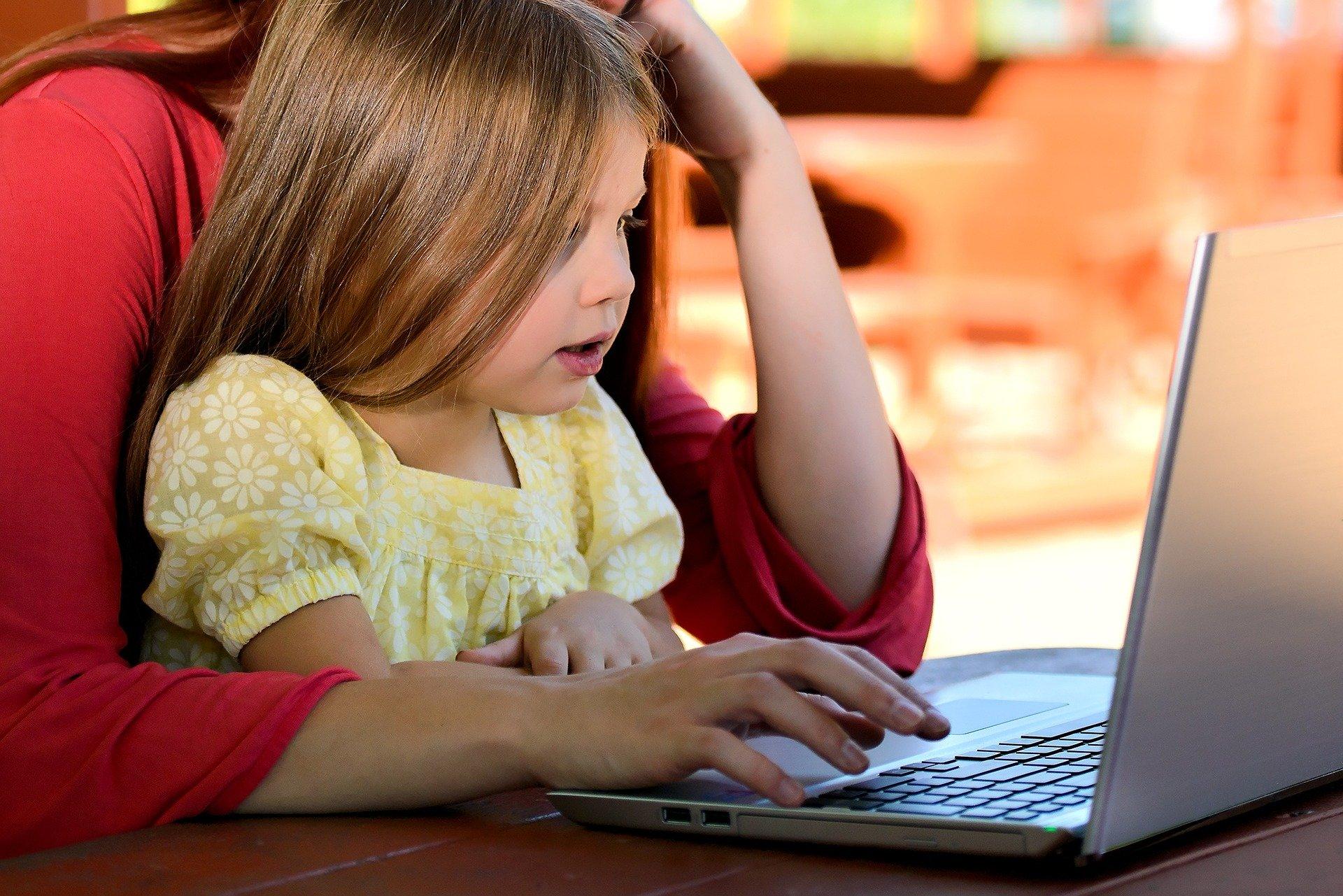 child 1073638 1920 - Thuiswerken en cybercrime - thuiswerken en cyberrisico