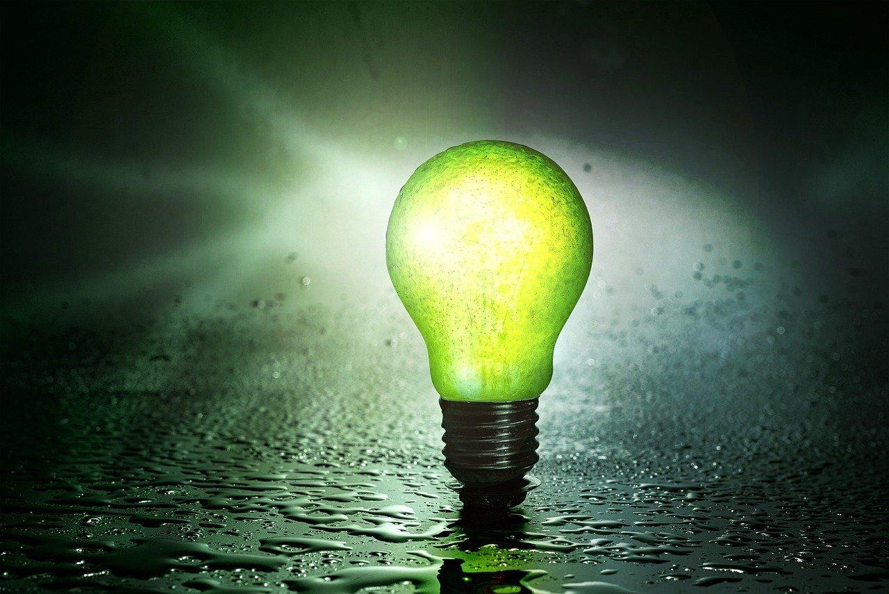 light bulb 2631841 1280 - Verduurzamen woning - BOX Duurzaam